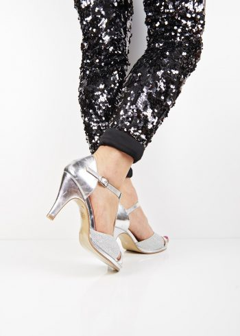 ac155257e54 4649 Silver t-bar strap mid heel shoes
