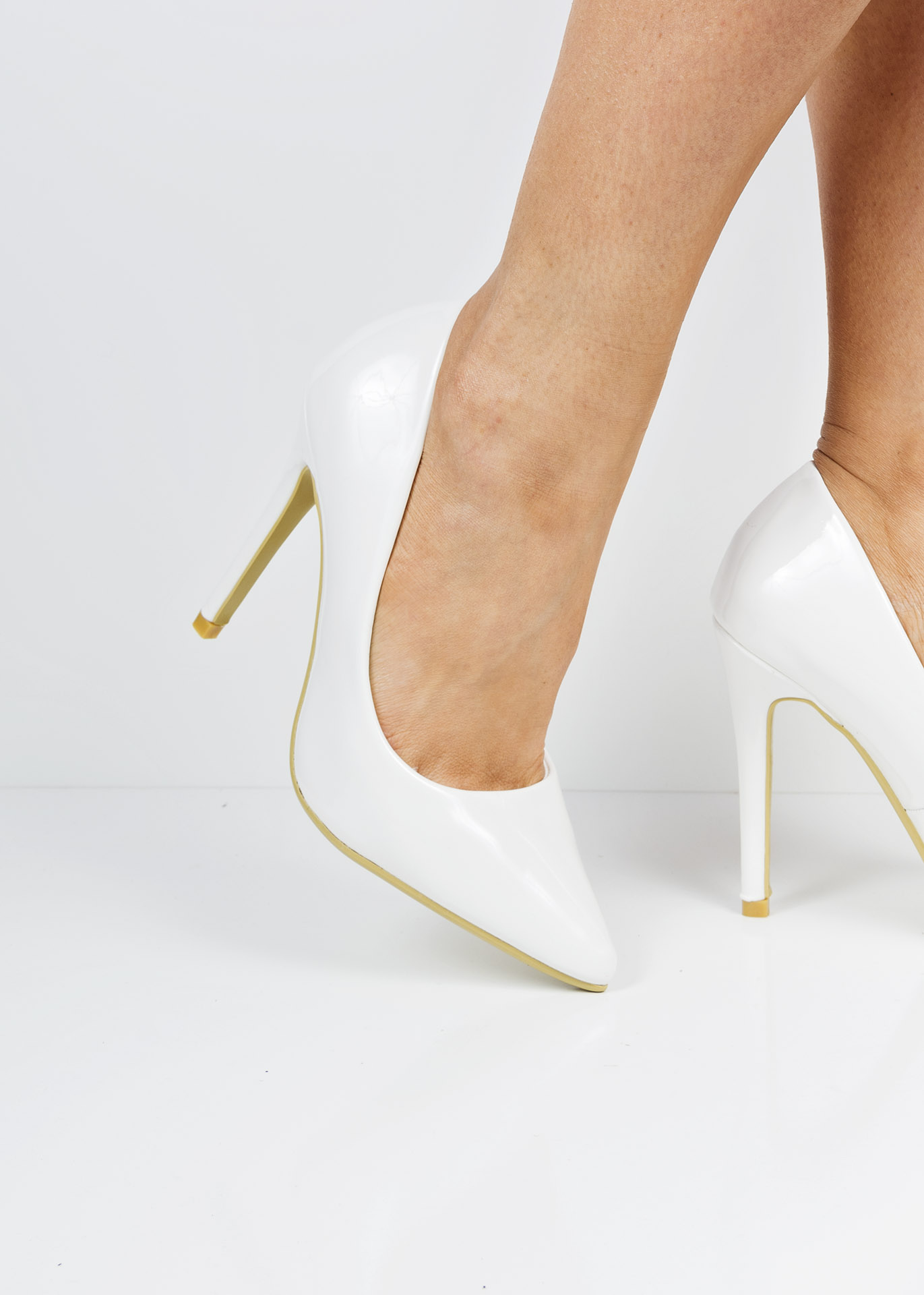 c9bd6f423d0 6689 White patent pointed toe court shoes